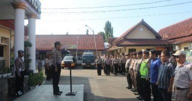 Kabag Ops Polres Cirebon Kota Pimpin Apel Pagi,