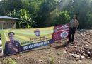 Cegah Banjir, Bhabinkamtibmas Kali Koa Polsek Kedawung  Polres Cirebon Kota Polda Jabar, Pasang Spanduk Bersihkan Selokan dan Sungai
