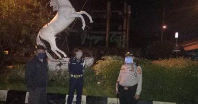 QR Lemahwungkuk Polres Ciko gelar Patroli cegah penularan  virus (Covid-19)