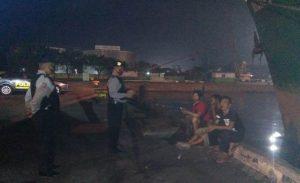 Patroli Polsek KPC Polres CIKO Secara Pre-emtif Dan Humanis Bubarkan Kerumunan Massa