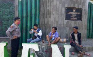 Patroli monitor kerumunan massa dan vandalisme diwilkum Polsek Utara - Barat Polres Ciko