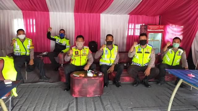Ipda Didi Sumardi, SH selaku Ka Ploeg II Melaksanakan Serah Terima Tugas dan Tanggung Jawab Pos Yan Rest Area 208