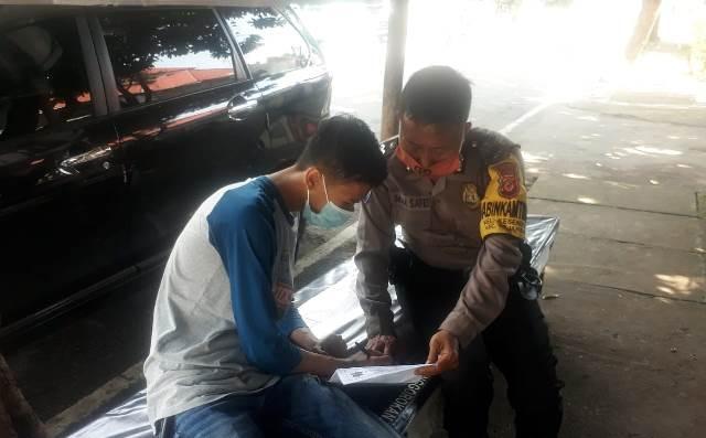 "Bhabin Kesenden Polsek Utbar Polres CIKO, Aiptu Imam, S Laksanakan Giat Terobosan ""Gunung Jati"" Belanja Masalah"