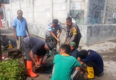 Duet, Aiptu Imam S Bhabin Kesenden Utbar Polres Ciko, Bersama Babinsa Serma Wartika Membantu Korve/Kerja Bakti Warga