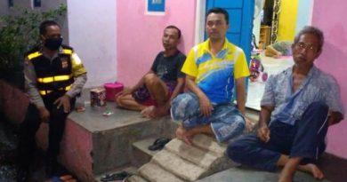 Aiptu Tajak Sutarja, Bhabinkamtibmas Kebon Baru Polsek Utbar Polres CIKO Laksanakan Giat Sambang ke Warga RT 04 RW 01