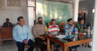 Bhabinkamtibmas Desa Suranenggala Kulon kapetakan Polres Ciko, Brigadir Dodi Priyadi hadiri MUSDES Penyaluran BLTDD