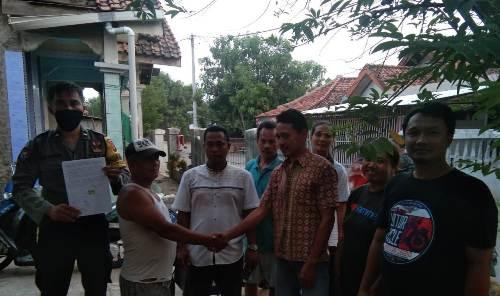 Aipda Tio , Bhabinkamtibmas Gunung Jati Polres Ciko Mediasi Problem Solving Warga