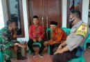 Bhabinkamtibmas kapetakan Polres Ciko Brigadir Dodi Priyadi, sambang warga sampaikan Protokol Kesehatan  Covid 19