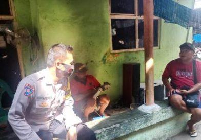 Himbau warga terapkan Protokol Kesehatan Covid 19 , Bripka suharsono Bhabinkamtibmas Kapetakan Polres Ciko Sambangi warga