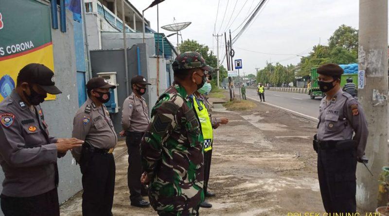 Apel Persiapan monitoring PPKM , Personil Polsek Gunung Jati Polres Ciko bersama Tim Gabungan