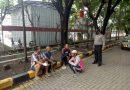 Polsek KPC Polres Ciko melalui Patroli dialogis antisipasi gangguan kemanan serta himbau PPKM di masa Covid 19 kepada pekerja