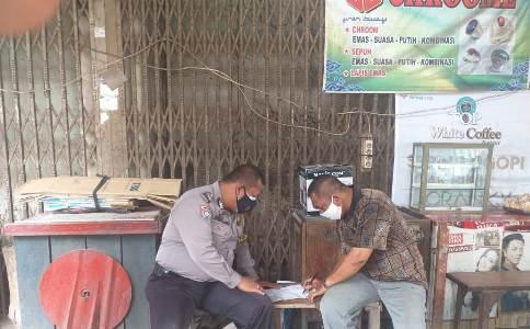 Ops Yustisi Bhabinkamtibmas Lemahwungkuk Polres Ciko Bripka Jaenal Sampaikan Prokes Covid 19 5M ,Melalui belanja