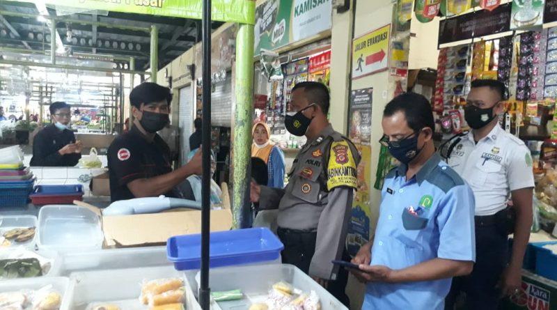 Pendisiplinan masyrakat Bhabin Kesenden Polsek Utbar Polres Ciko terus himbau warga dengan Prokes 5m di masa Pandemi
